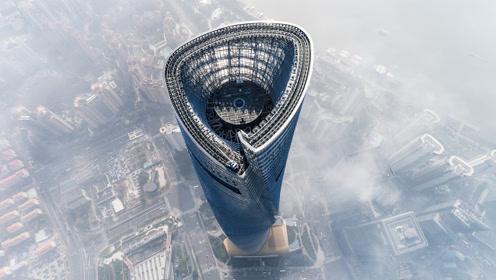 高达632米上海中心大厦,刮风摆动幅度超1米,难道不会出事?