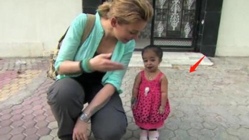 世界上最矮小的女人,身高仅有0.62米,追求者一条街!