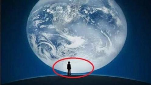 微信登录时蓝色星球下的小人,他到底是谁?答案你绝对想不到!