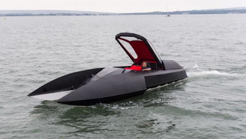 """这""""蝙蝠战车""""快艇,装备9.5升V8发动机,时速113公里"""