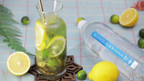 纯手工奇异果柠檬冷泡饮,满满维c带给你