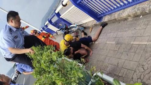 消防员假扮外卖小哥 成功救下跳桥轻生男子
