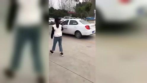 教练吓的,鞋子都跑掉了!!