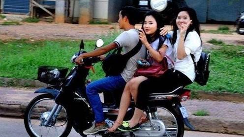 为何很多女生喜欢侧着坐摩托车?原因太过真实!