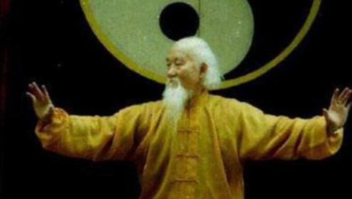 美国保镖叫嚣中国功夫,称中国没人是他对手,结果被老头一拳打死