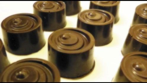 酒心巧克力中真的都是酒吗?实拍整个制作过程,就明白了一切