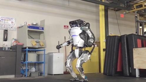 波士顿动力又放大招,机器人Atlas进化表演体操