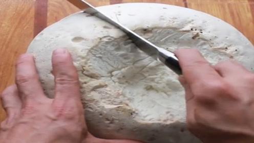 价值18万的巨型蘑菇有什么秘密?拿来小刀切开,营养价值看得到