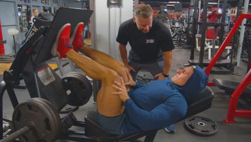 健美运动员的练腿日,萨迪克在健身房疯狂虐腿,既痛苦又酸爽