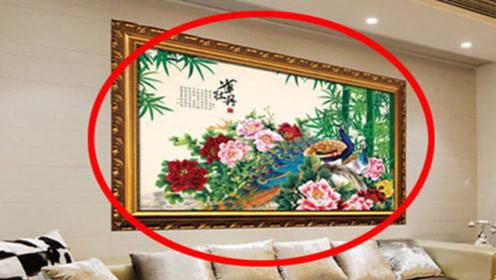 """客厅内不要挂这几种画,否则""""越住越穷"""",有钱人早就发觉了!"""