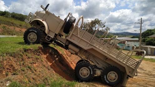 全地形越野卡车有多强悍?爬坡时自动变形,强大到难以置信