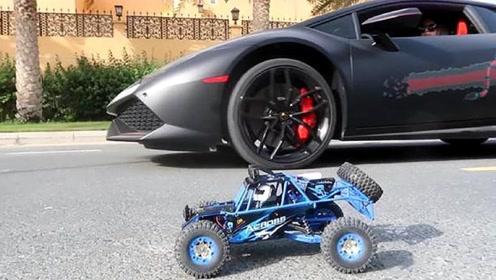 300多万的兰博基尼和玩具车比赛,结果却跑不过玩具车?