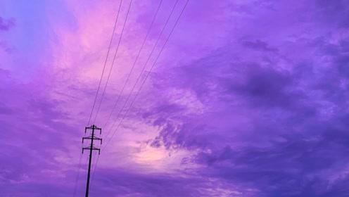 日本各地区出现了罕见的粉紫色天空 迷人的危险