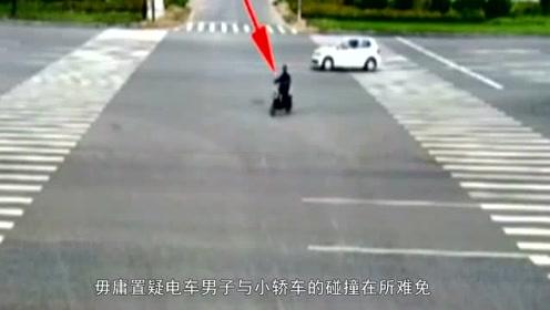 """""""菜鸟""""司机竟在空无一人的马路中间刮蹭行人,瞬间""""演技炸裂""""!"""