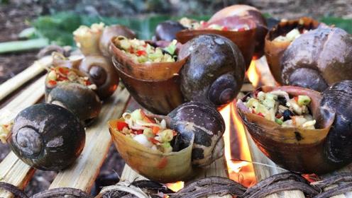 美女野外烹饪大蜗牛,成品出来后,网友直呼:简直太会享受!