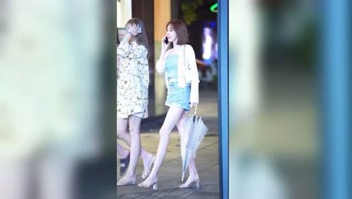 夜晚街头遇到的短发姑娘,这双腿真是又直又美!