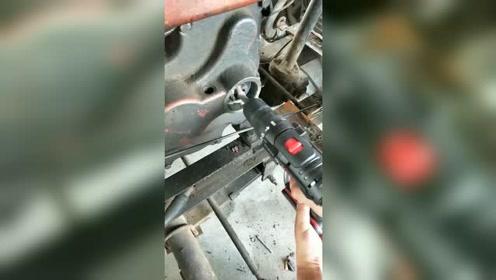 手电钻发动拖拉机,真厉害