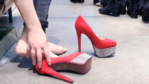 女人还是穿上高跟鞋有气质,这么高的跟真的不累吗?