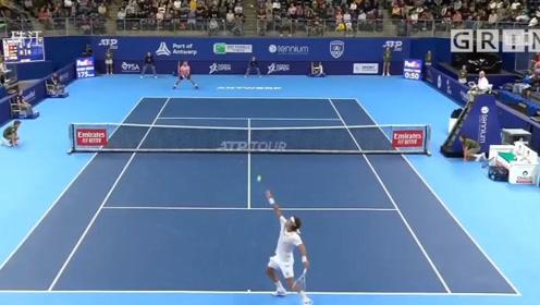 反败为胜!ATP网球公开赛瓦林卡2:1逆转取胜,携手西蒙晋级下一轮