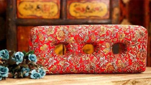 枕头里藏着夜明珠,老太见到后,亲手将这个枕头上交给了国家