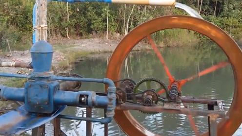 河边的自制循环小水车,齿轮之间相互工作,这是永动机的原理吗?