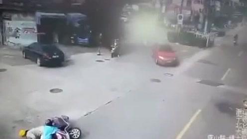 狗狗撞上骑车人,不知怎么划分责任,还是等待交警做出结论吧!