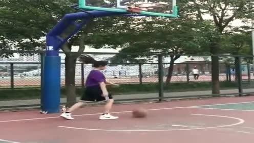 校花:和男生打篮球真憋屈!太不会玩了