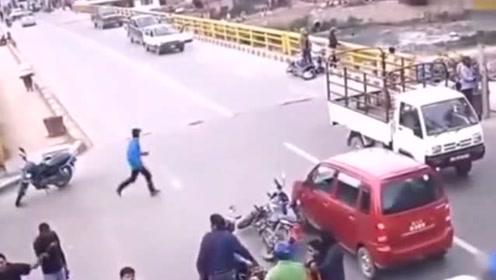 原本以为只是普通的车祸,调取视频,发现真相没那么简单!
