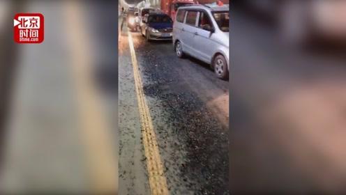 废品车隧道里一路遗撒铁钉 几十辆车轮胎被扎导致大堵车
