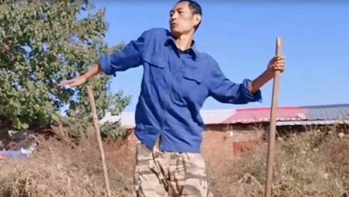 这位大哥是高手,霹雳舞跳的颇有名气,舞艺高超