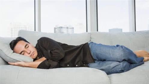 寿命长短跟睡眠质量有关吗?专家:若睡前少犯这3个错误,恭喜你是长寿的人