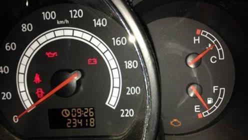 冷车启动怠速不稳,忽高忽低啥原因?大多是这种原因造成