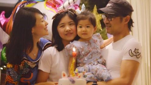 章子怡宣布怀二胎后,继女小苹果清空社交账号,网友:受冷落了?
