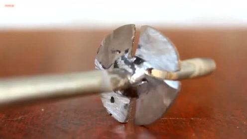 小哥把电钻改造成抽水机,看到成品后我服了,这都能想到!