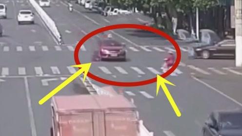 作死女子机动车道逆行,被撞倒后倒地不起,更要命的还在后面!