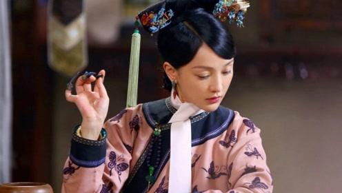 为何清朝妃嫔手上都要戴着手指套?看完后才恍然大悟,不戴不行
