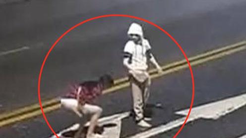 一身冷汗!情侣吵架吵到马路中间 女生瞬间被撞飞身亡!