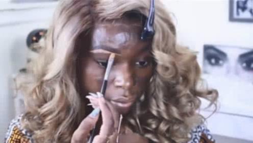 """非洲女孩用7瓶粉底液""""遮黑"""",化完妆后气质大变,网友:一键美颜!"""