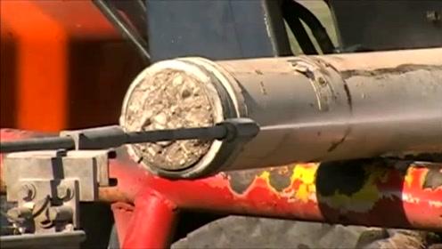 高压水枪的穿透力有多强塞满混凝土的大型管道,瞬间被击穿