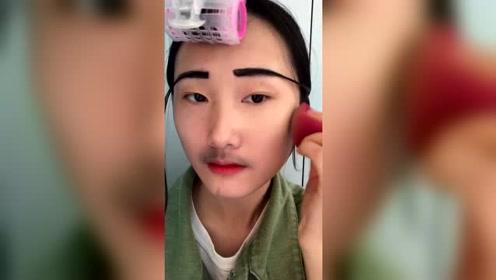 学了三年化妆的女友居然就这水平,不好好接发接眉毛,什么审美啊