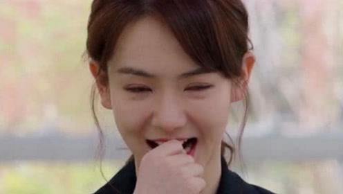 李承铉和戚薇看电视,不料看到她和金瀚吻戏,李承铉反应够看十遍