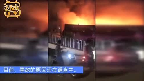 南宁秀厢大道北湖皂角村全车城一汽车修理店突发大火!