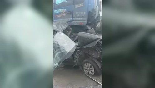 西安3名民警执行公务遇车祸殉职 其中一名民警年仅25岁