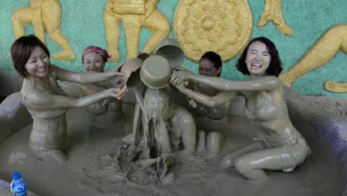 越南泥巴温泉太脏了,却有大量游客慕名前来,女生更是喜欢到不行