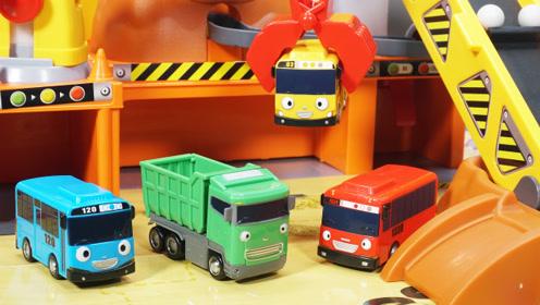 太友小巴士的汽车工地场景玩具