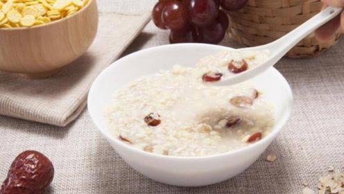 早上喝碗牛奶燕麦红枣粥,坚持1个月,这3件好事会悄悄找上你