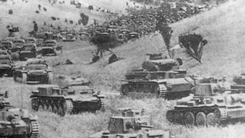 两种大兵团作战典范,德国闪电战与苏联压路机战术