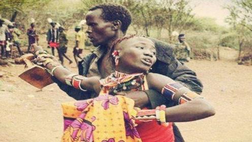 非洲部落中最野蛮的婚礼,新娘苦不堪言,场面太让人心疼!