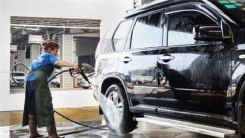为什么几乎见不到劳斯莱斯等豪车去洗车?洗车店老板说出了猫腻
