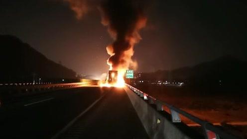 警示!司机没带灭火器 货车高速起火烧了20多万元的电饭煲